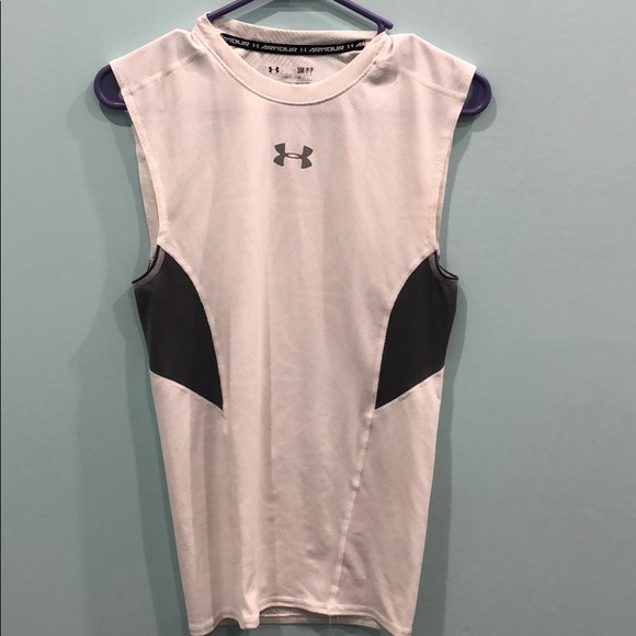 Under Armour Metal  MENS XL White//Gray Compression Shirt With Keychain Rare